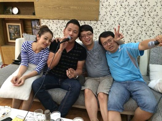 hát karaoke gia đình